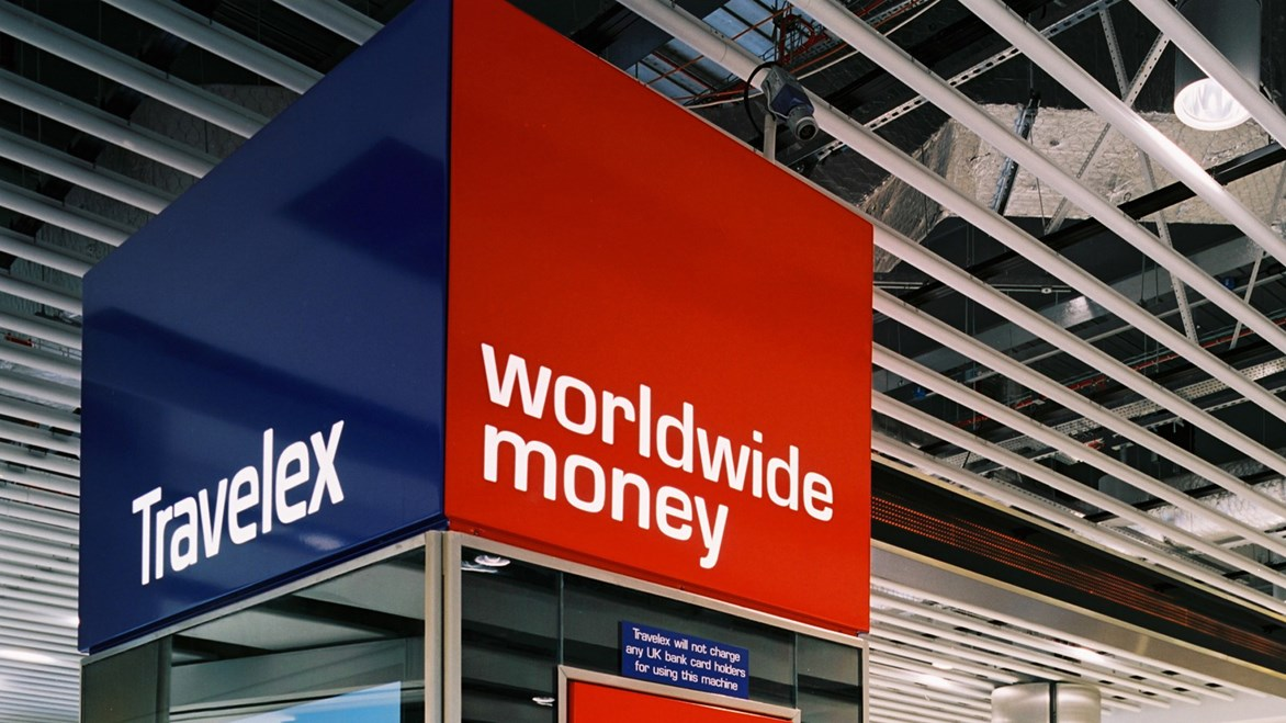 travelex-retail-sign-02
